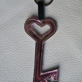 portachiavi chiave rosa lucido