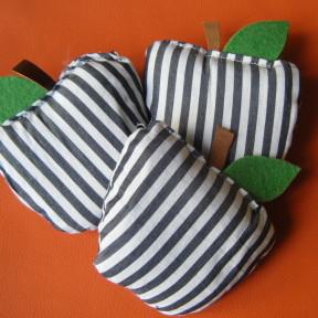 sacchetti lavanda mela righe bianche e nere