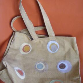 borsa in tela con cerchi beige
