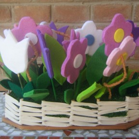 centrotavola fiori in feltro