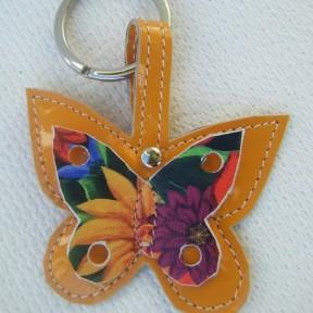portachiavi farfalla vernice ocra e fantasia