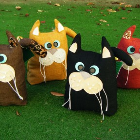 4 gatti fermaporta