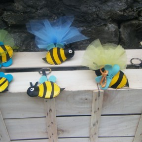 bomboniere con portachiavi ape
