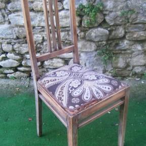 vecchia sedia in legno