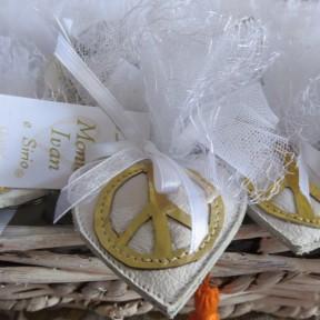 bomboniere nozze con simbolo della pace
