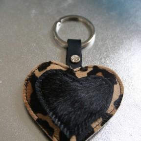 portachiavi cuore maculato e nero con finto brillantino