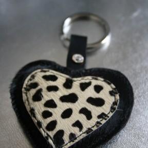 portachiavi cuore nero e maculato con finto brillantino